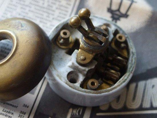 フランス 真鍮と陶器のアンティークスイッチ(ダブルスイッチ)