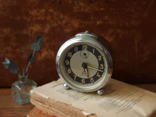 フランス JAZ Silentic 目覚まし時計