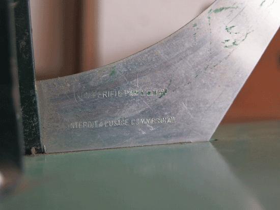 フランス ヴィンテージのレタースケール