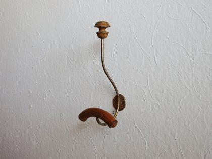 フランス 木とメタルのアンティークフック(3)