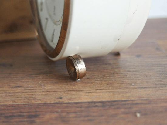 フランス JAZ クリーム色とゴールドの目覚まし時計