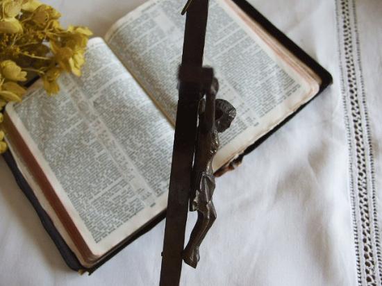 アンティーク真鍮製の十字架(壁掛け)