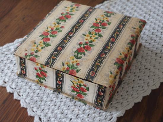フランス カルトナージュのアンティーク箱