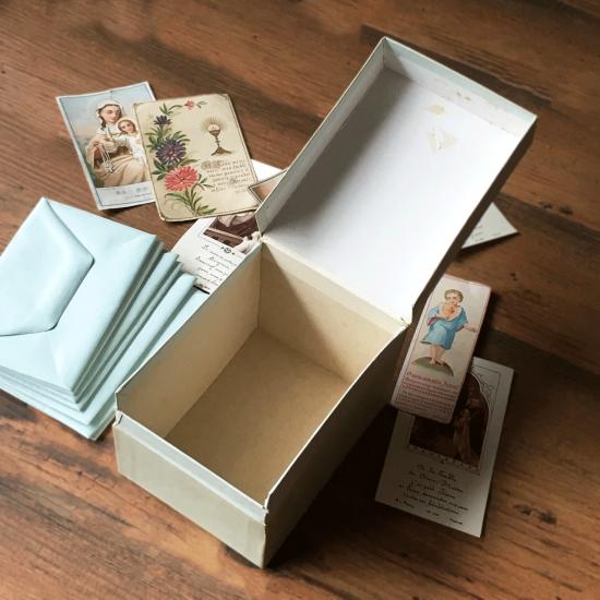 フランスアンティーク ホーリーカードと封筒のセット(箱付き)