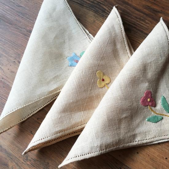 アンティーク お花の刺繍入り リネンハンカチ3枚セット