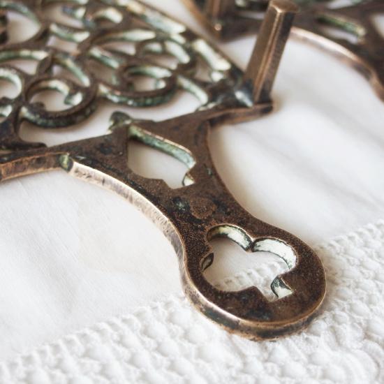 イギリスアンティーク 真鍮製トリベット(アイロンスタンド・鍋敷き)