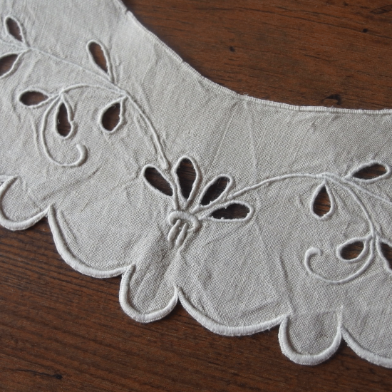 フランスアンティーク リネン製カットワークのつけ襟