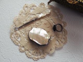 フランスアンティーク マザーオブパールの小さなコインパース