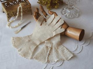 フランスアンティーク レースの手袋 小さなお花とシェル模様のクロッシェレース(婦人用)