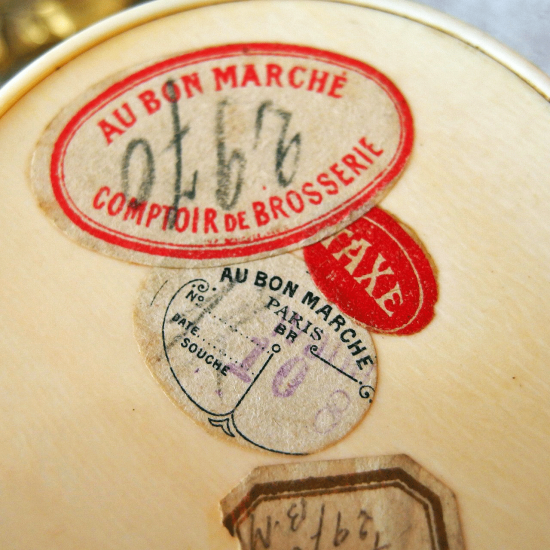 フランス AU BON MARCHÉ ベークライト製パウダーボックス