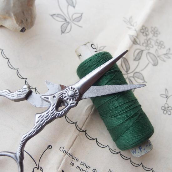 フランスアンティーク 野うさぎの刺繍ばさみ 手芸ばさみ