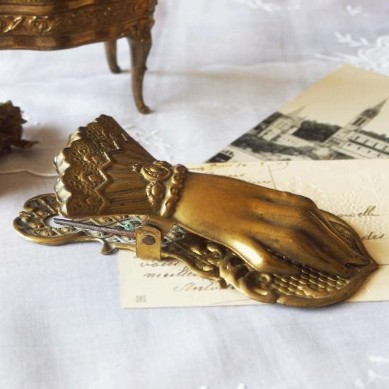 フランスアンティーク 1900年初期 真鍮製 貴婦人の手のクリップ
