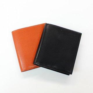 【山万】シルエット崩れなし、手のひらサイズのスマート財布