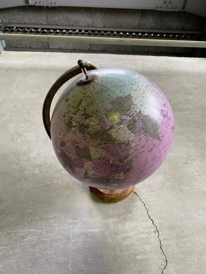Vintage 12 Inch Globe<br />アメリカ製のアンティークの地球儀(12インチ)