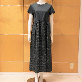 <img class='new_mark_img1' src='https://img.shop-pro.jp/img/new/icons13.gif' style='border:none;display:inline;margin:0px;padding:0px;width:auto;' />【WEEKEND MaxMara】バイカラー(無地X花柄)ワンピース