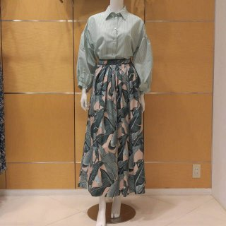 <img class='new_mark_img1' src='https://img.shop-pro.jp/img/new/icons13.gif' style='border:none;display:inline;margin:0px;padding:0px;width:auto;' />【WEEKEND MaxMara】プリントロングスカート