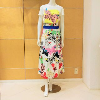 <img class='new_mark_img1' src='https://img.shop-pro.jp/img/new/icons13.gif' style='border:none;display:inline;margin:0px;padding:0px;width:auto;' />【WEEKEND MaxMara】蝶プリントロングスカート