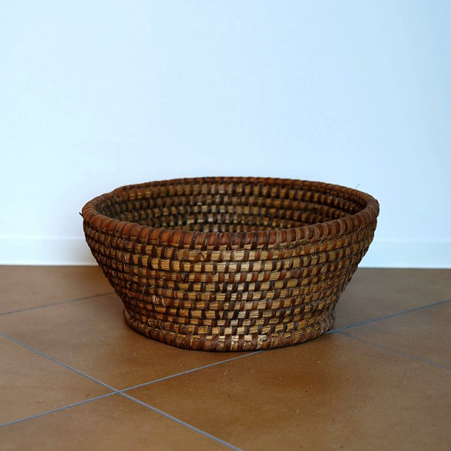 French Old Basket on Strow&Rattan / Bowl / 60s