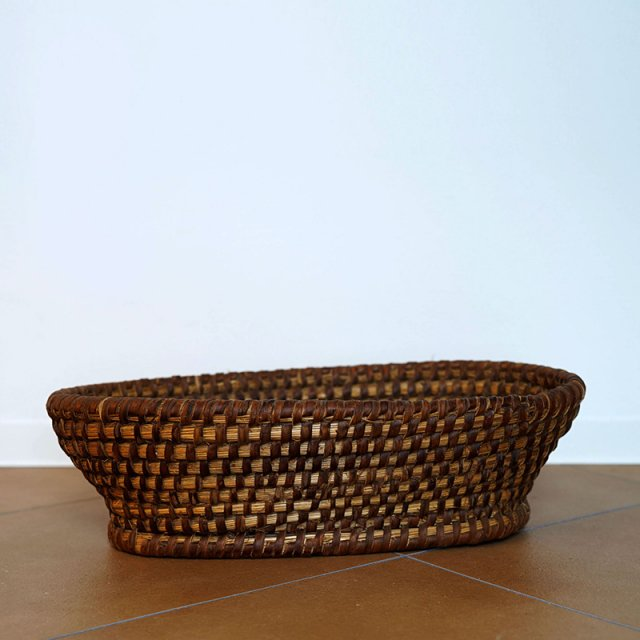 French Old Basket on Strow&Rattan / Oval / 60s