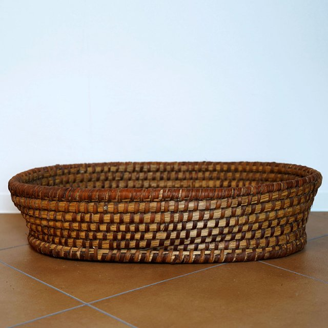 French Old Basket on Strow&Rattan / Big Oval / 60s