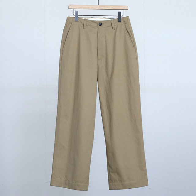 【2021 A/W】【UNIVERSAL PRODUCTS ユニバーサルプロダクツ】NO TUCK WIDE CHINO TROUSERS CAMEL