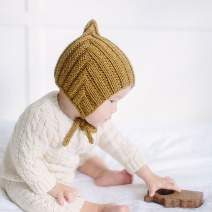 【20%OFFセール】Typically Red(ティピカリーレッド)<br>Tiny Pixie hat <BR>Straw baby(6-12カ月)サイズ<BR>ボンネット ニット帽
