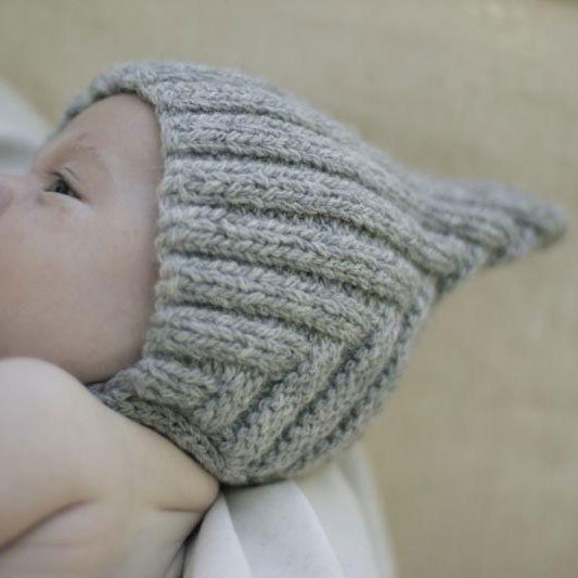【30%OFFセール】Typically Red(ティピカリーレッド)<br>Tiny Pixie hat <BR>Grey baby(6-12カ月)サイズ<BR>ボンネット ニット帽