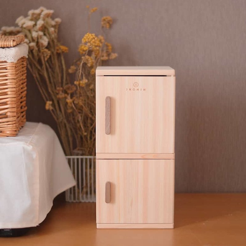 【送料無料&ラッピング無料】IKONIH(アイコニー)<br> ままごと冷蔵庫 refrigerator<BR>木のおもちゃ ままごと<br>T0021