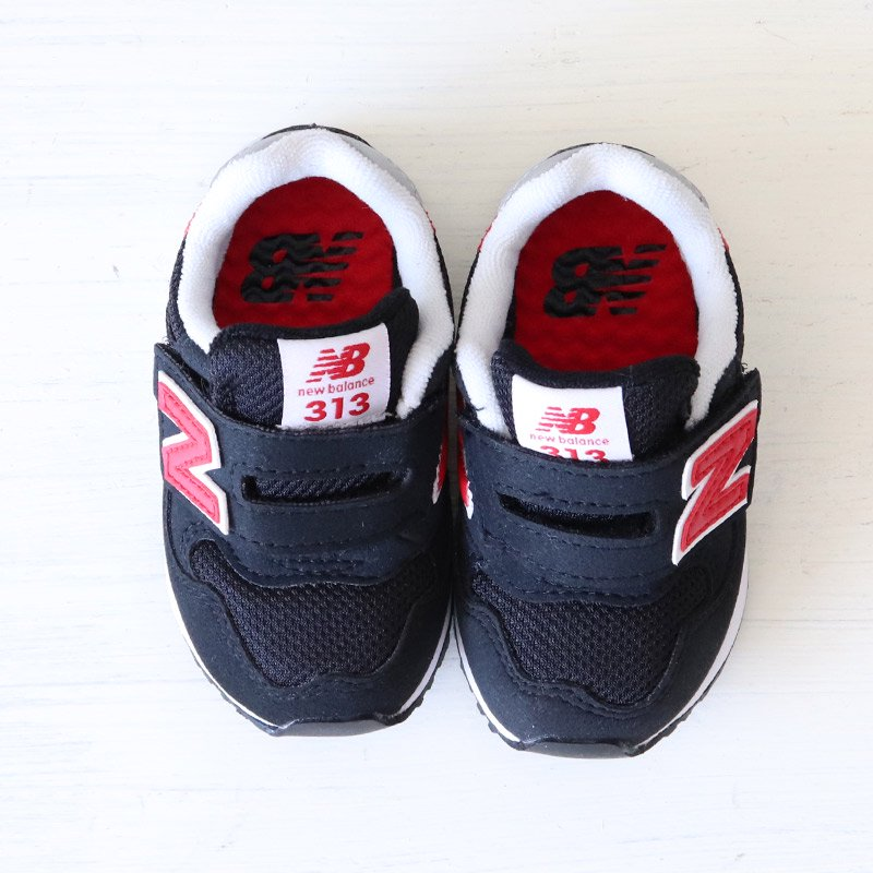 <img class='new_mark_img1' src='https://img.shop-pro.jp/img/new/icons5.gif' style='border:none;display:inline;margin:0px;padding:0px;width:auto;' />NEW BALANCE(ニューバランス)2021SS<br>IO313 CR(ベビー・キッズ)<br>IO313CR(BLACK/RED)