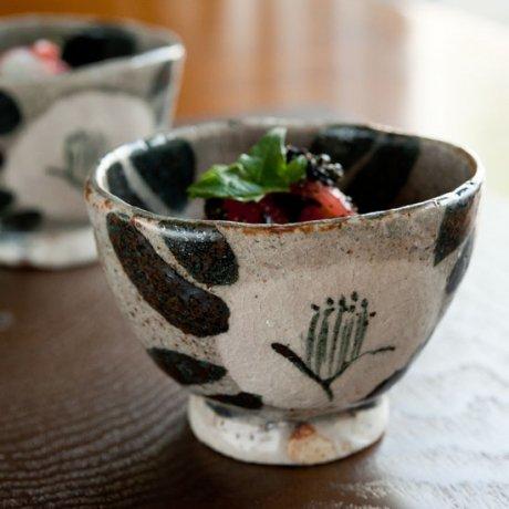 鼠志野椿文三角小鉢
