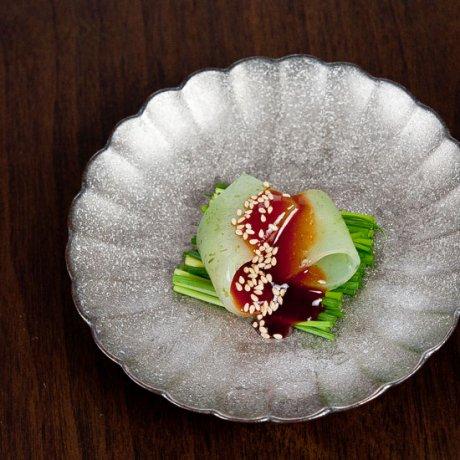 黒柚子菊4.5寸皿(内銀)