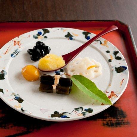 色絵渕呉須8寸リム皿