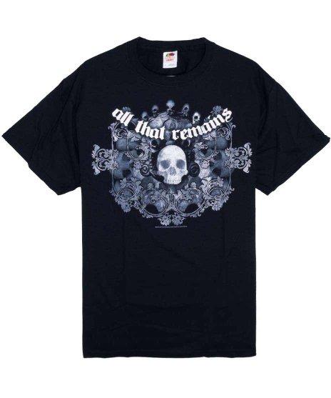 オール ザット リメインズ ( All That Remains ) Skull Wreath バンドTシャツカラー:ブラック<br>サイズ:L<br>多数のスカルにバンドロゴのデザインです。