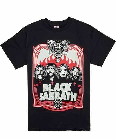 Black Sabbath Red Flames バンドTシャツカラー:ブラック<br>サイズ:S〜L<br>メンバーのイラストと、バンドロゴのデザインです