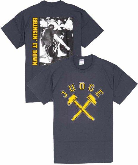 Judge ( ジャッジ ) Arched Logo バンドTシャツカラー:チャコール<br>サイズ:S〜XL<br>フロントに大きくアークロゴと、バックにはライブフォトのデザインです。