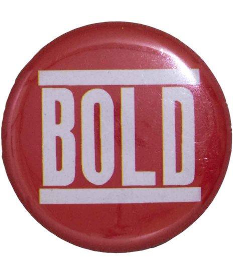 Bold バンド缶バッチ 【小】 Logoカラー:レッド<br>サイズ:25mm<br> レッドがベースのロゴバッジ