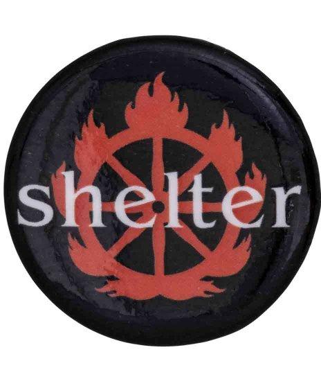Shelter バンド缶バッチ Logoカラー:ブラック<br>サイズ:25mm<br>Shelterのバンドロゴデザインです。