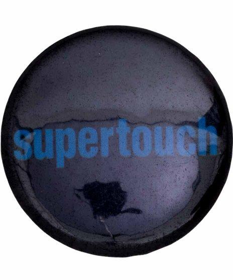 Supertouch バンド缶バッチ Logo ( Blue ) カラー:ブラック・ブルー<br>サイズ:25mm<br>ブラックベースに、ブルーのバンドロゴの缶バッジ
