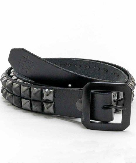 スタッズベルト メンズ 黒本革 2連 ブラックピラミッドカラー:ブラック<br>サイズ:S〜XL<br>ブラックレザーにブラックピラミッドの落ち着いたモデル