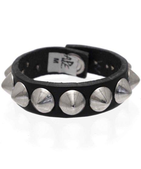 スタッズブレスレット 本革黒 1連シルバーコーン パンクロックカラー:ブラック<br>サイズ:S〜L<br>ブラックレザーに、シルバーのコーンスタッズ
