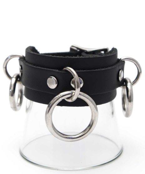 リングブレスレット 黒 大1、小×2リングボンデージタイプ パンクロックカラー:ブラック<br>サイズ:S,M<br>定番のリングに大小の計3個のリングがアクセント