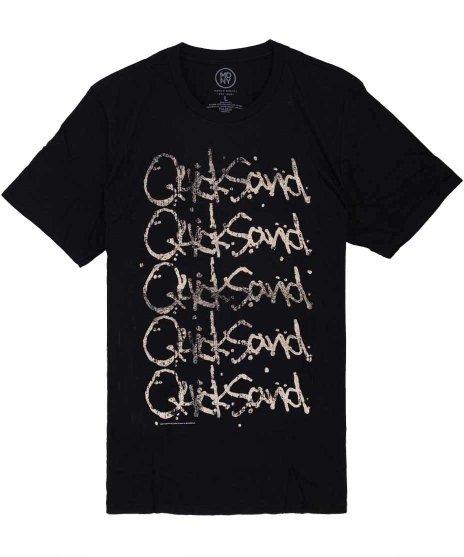 Quicksand オフィシャルバンドTシャツ Echoカラー:ブラック<br>サイズ:S〜L<br>クイックサンドのロゴが上から下に向けて複数プリント