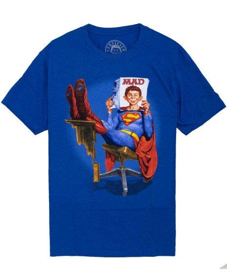 マッドマガジン ( Mad Magazine ) オフィシャルTシャツ スーパーアルフレッドカラー:ネイビー<br> サイズ:S〜XL<br>アメリカ老舗コッミック誌MADのキャラクターアルフレッドとスーパーマンのデザイン。