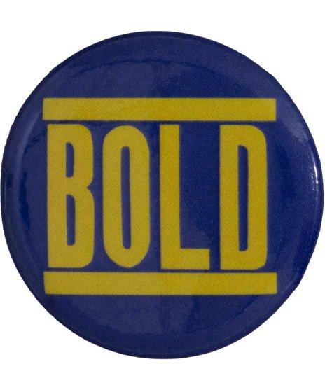 Bold バンド缶バッチ イエロー × ネイビーカラー:ネイビー × イエロー<br>サイズ:32mm<br> 定番のネイビーベース × イエローの配色