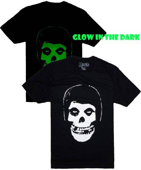 Misfits オフィシャルバンドTシャツ Glow in The Dark カラー:ブラック<br>サイズ:S〜L<br>蓄光塗料を使ったスカルデザイン