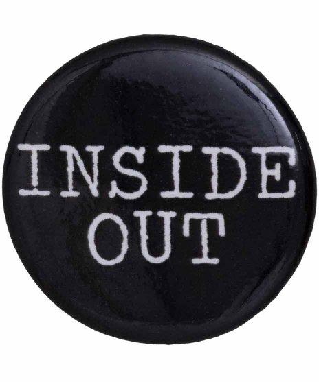 Inside Out バンドロゴ缶バッチ  ブラック×ホワイトカラー:ブラック<br>サイズ:32mm<br>Inside Outのロゴ