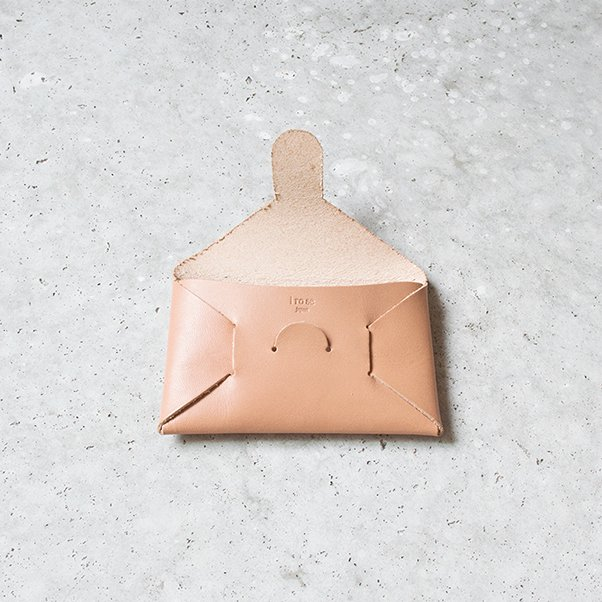 SEAMLESS LEATHER CARD CASE