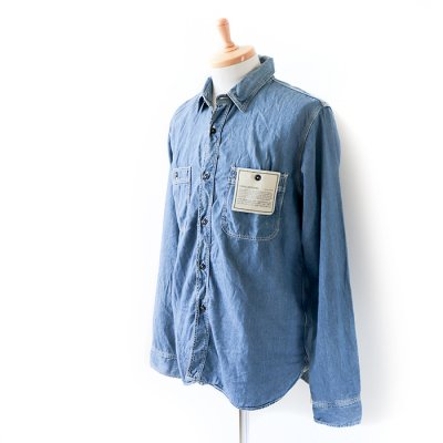 <img class='new_mark_img1' src='https://img.shop-pro.jp/img/new/icons41.gif' style='border:none;display:inline;margin:0px;padding:0px;width:auto;' />【30%OFF】Denim Shirt -SPELLBOUND-
