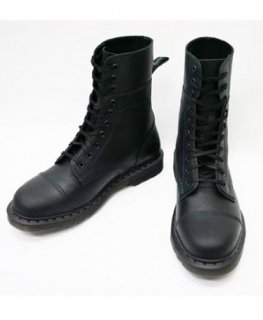 DR. MARTENS  HAYES 10 EYE BOOTS