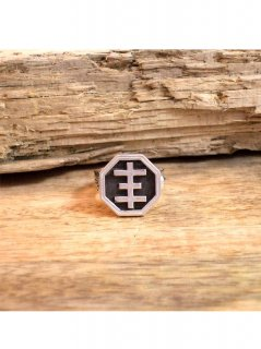 LOVE JESSE DESIGNS / PSYCHIC CROSS SIGNET RING